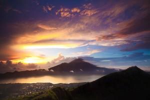 Mendaki-Gunung-Batur