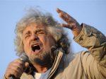 2月18日、総選挙を24─25日に控え、イタリアではコメディアンで人気ブロガーのグッペ・グリロ氏が率いる市民運動で既成政党に異議を唱える「五つ星運動」の勢いが増している(2013年 ロイター/Giorgio Perottino)